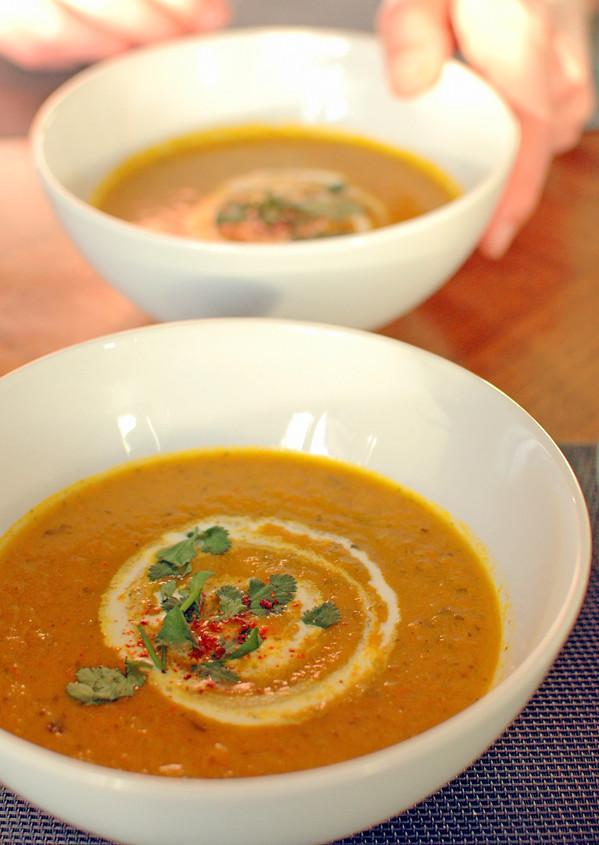 zupa marchewkowa z kolendrą