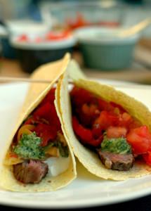 tacos z wołowiną i karmelizowanymi warzywami