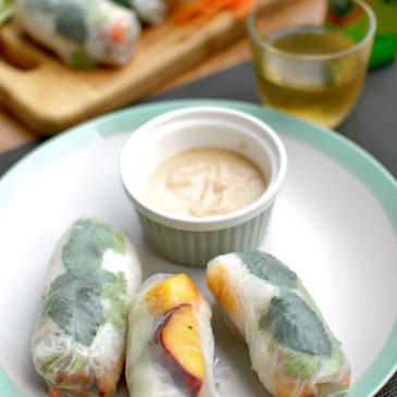 spring rolls z brzoskwinią i pikantną wieprzowiną