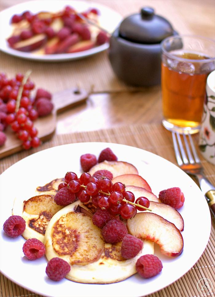 placuszki z ricotty z brzoskwinią