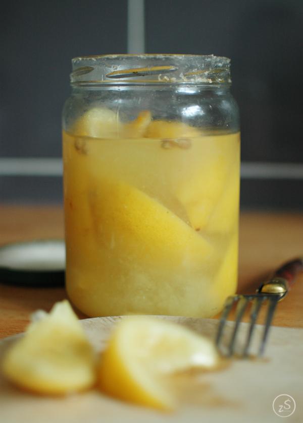 cytryny marynowane w soli morskiej, confit z cytryn albo po prostu kiszone cytryny