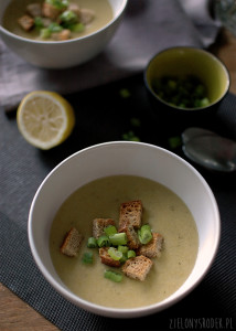 zupa krem z ziemniaków z zieloną cebulką i serem
