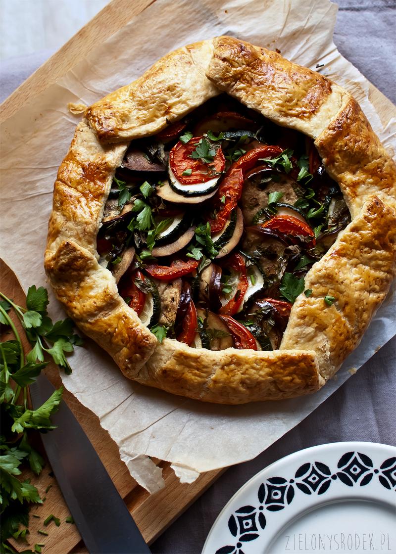 galette ratatouille, czyli tarta z bakłażanem, cukinią i pomidorem
