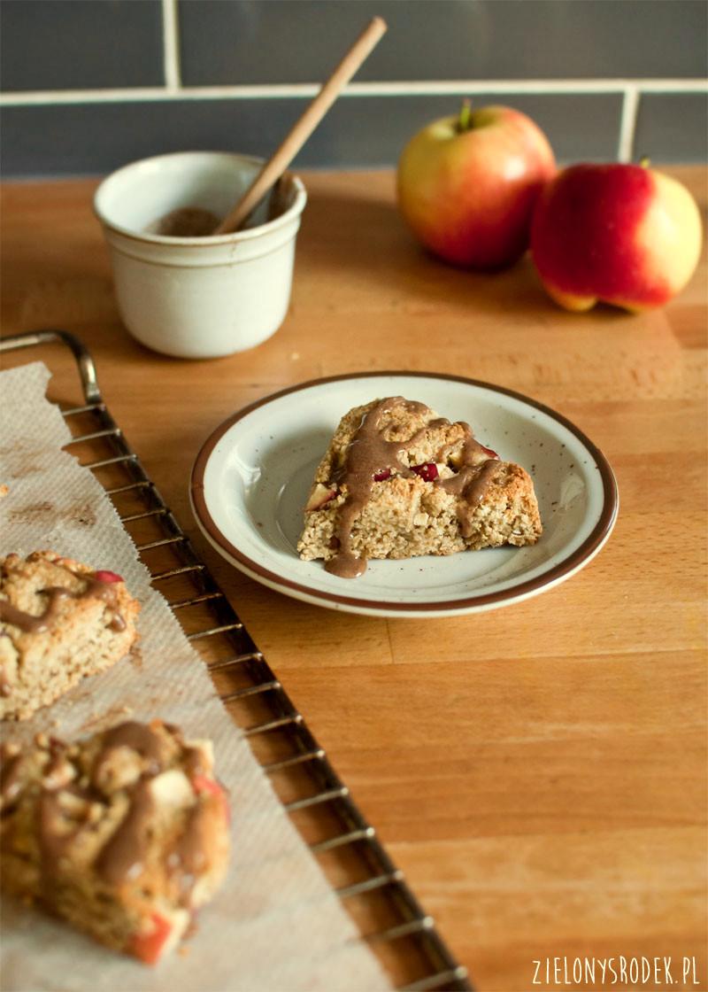 owsiane scones z jabłkiem i kokosem