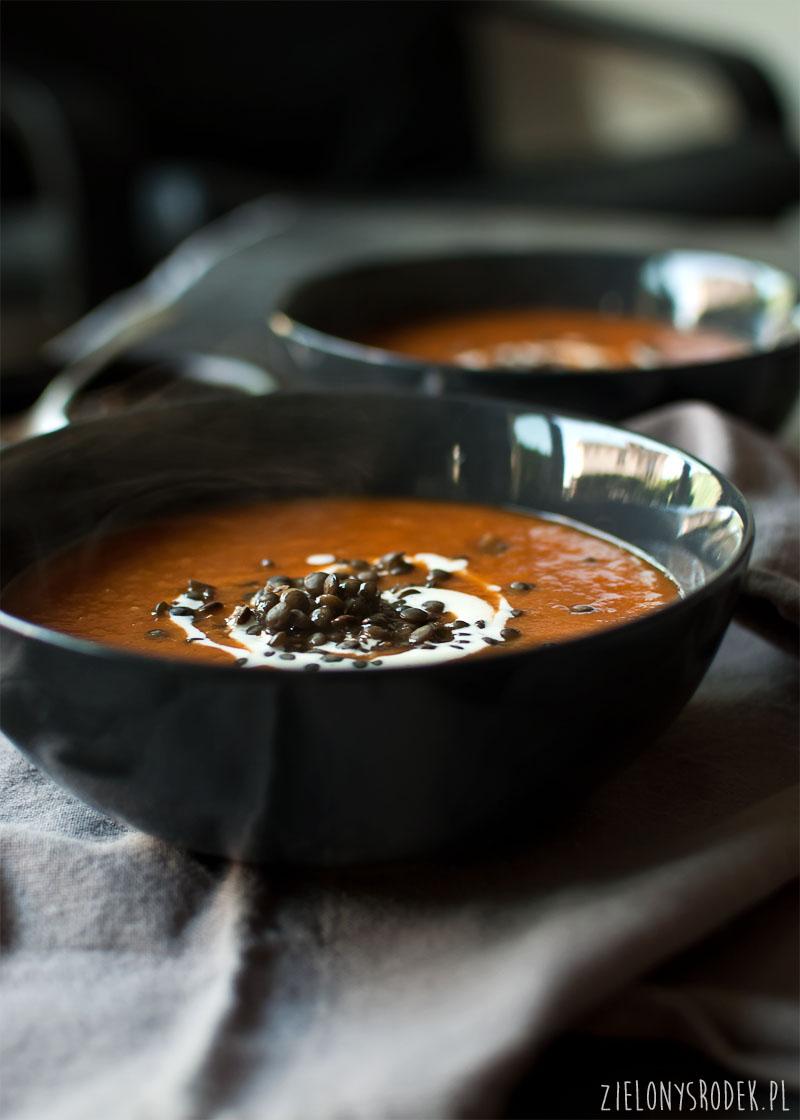 krem z dyni i pomidorów o aromacie delikatnie świątecznym