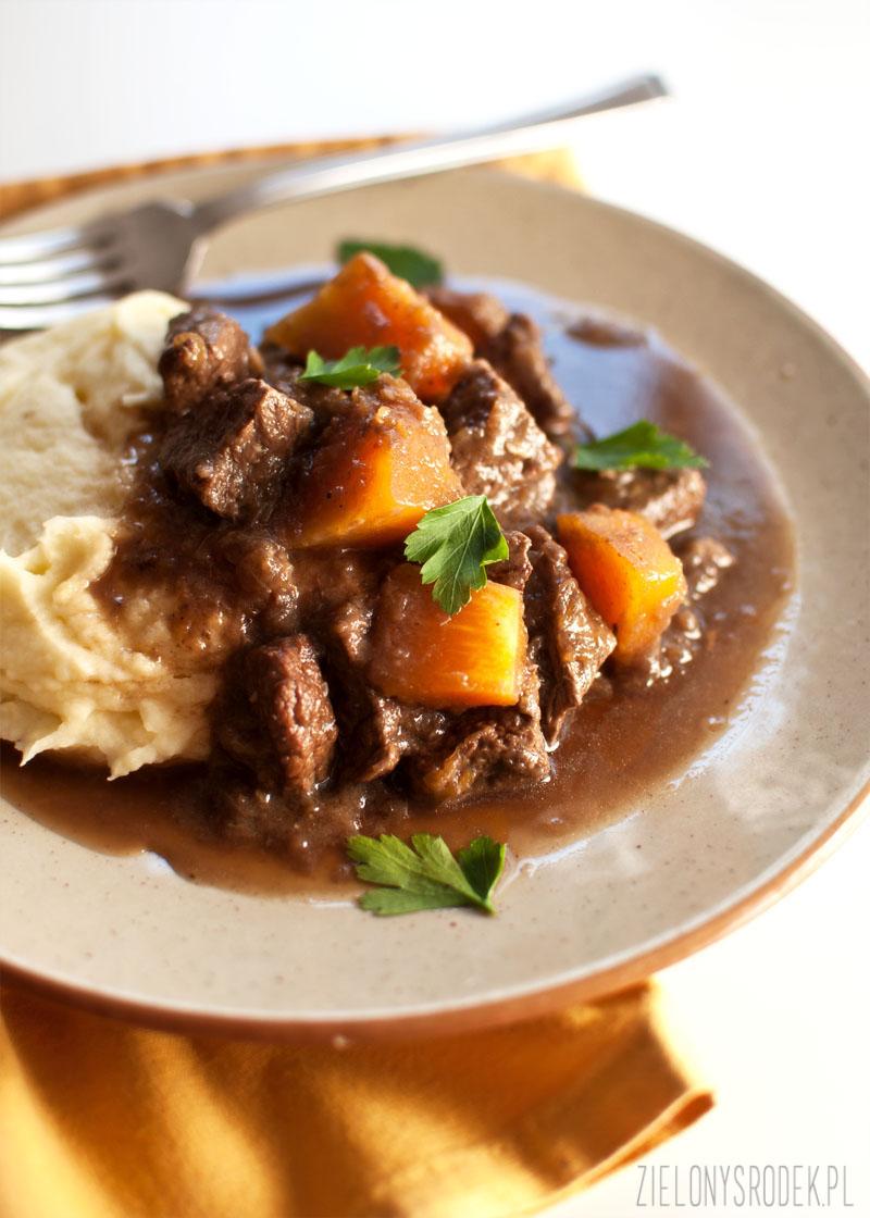gulasz wołowy z dynią, guinnessem i przyprawą piernikową