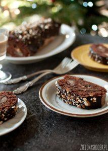 rolada piernikowa z gruszką i czekoladą bez mąki i z małą ilością cukru. bezglutenowa