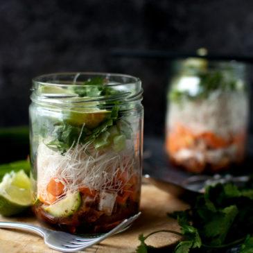 domowa zupka chińska z kurczakiem i warzywami