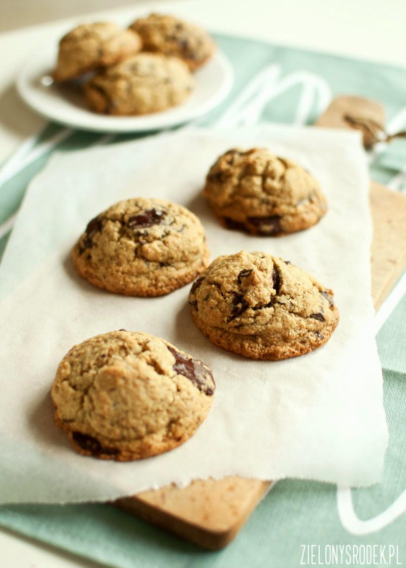 chocolate chip cookies z płatków owsianych (prawie bez cukru, bez mąki)