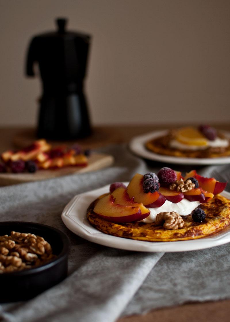 omlet marchewkowy z ricottą, słodkie szybkie śniadanie